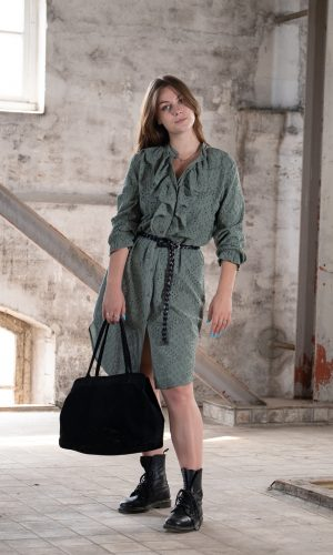 broderie-jurk-lange-blouse-groen-army-lange-mouw-roezel-muts-fashion-groningen